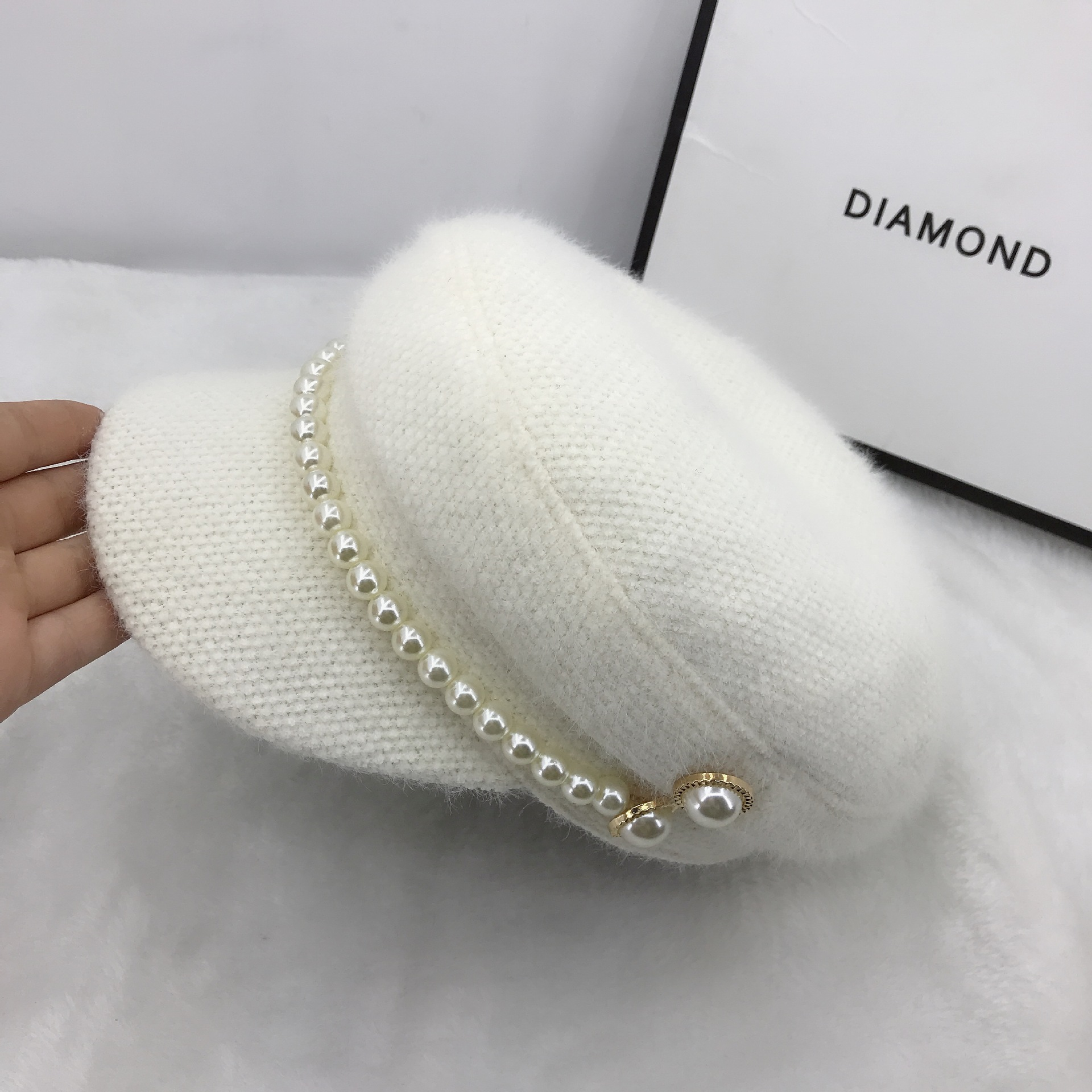 01911-fu-pearl  Buttons Winter Warm Faux Fur  Lady Octagonal Hat  Women Leisure Visors Cap
