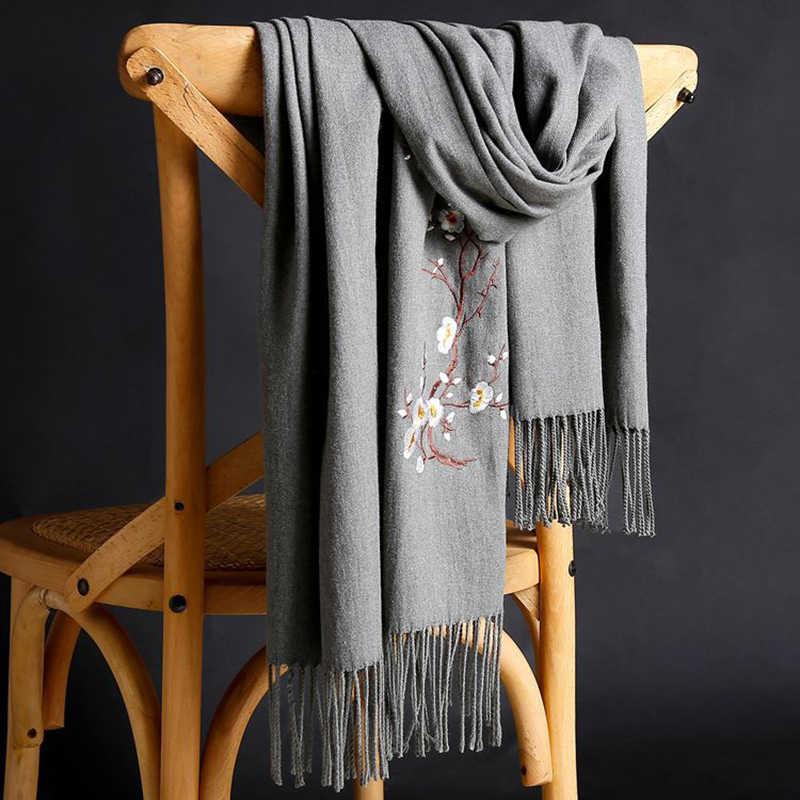 Kaszmiru ciepłe szaliki z pomponem kobiet 2019 jesień nowy haft jednolity kolor długie okłady kobiety szalik kobiet szal zimowy szalik