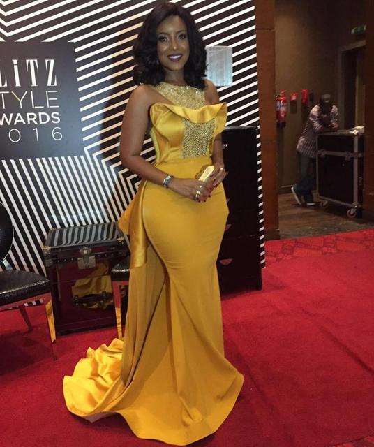 Фото элегантные золотые платья знаменитостей с красной ковровой дорожкой