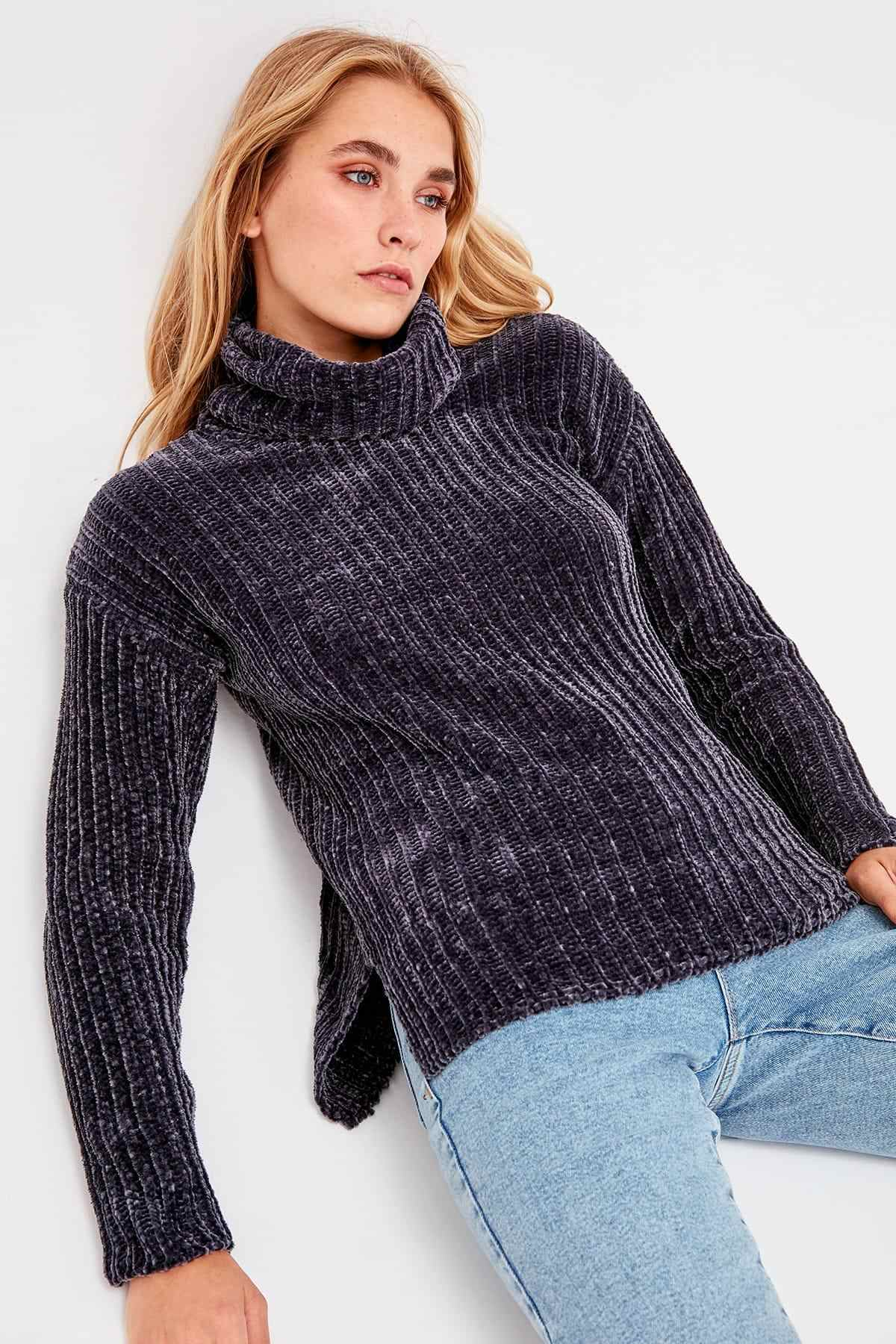 Trendyol Smoked-Throated Chenille Sweater TWOAW20FH0001
