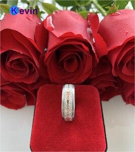 Image 4 - Anillo de boda de carburo de tungsteno para hombre y mujer, con Flecha de acero dorado rosa y incrustación de meteorito blanco, novedad