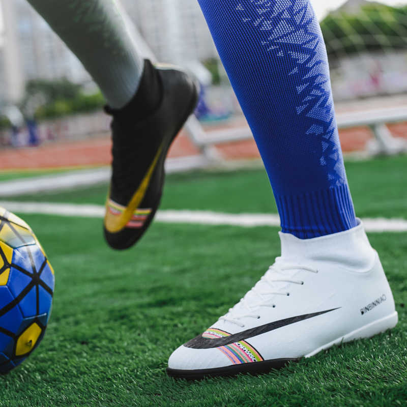 Zhenzu Profesional Putih Hitam Sepatu Sepakbola Pria Anak-anak Anak-anak Cleat Pelatihan Football Boots Tinggi Pergelangan Kaki Olahraga Sneakers