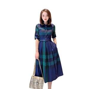 Женское платье в клетку, весна 2020, новая мода, отложной воротник, рукав три четверти, приталенное длинное платье