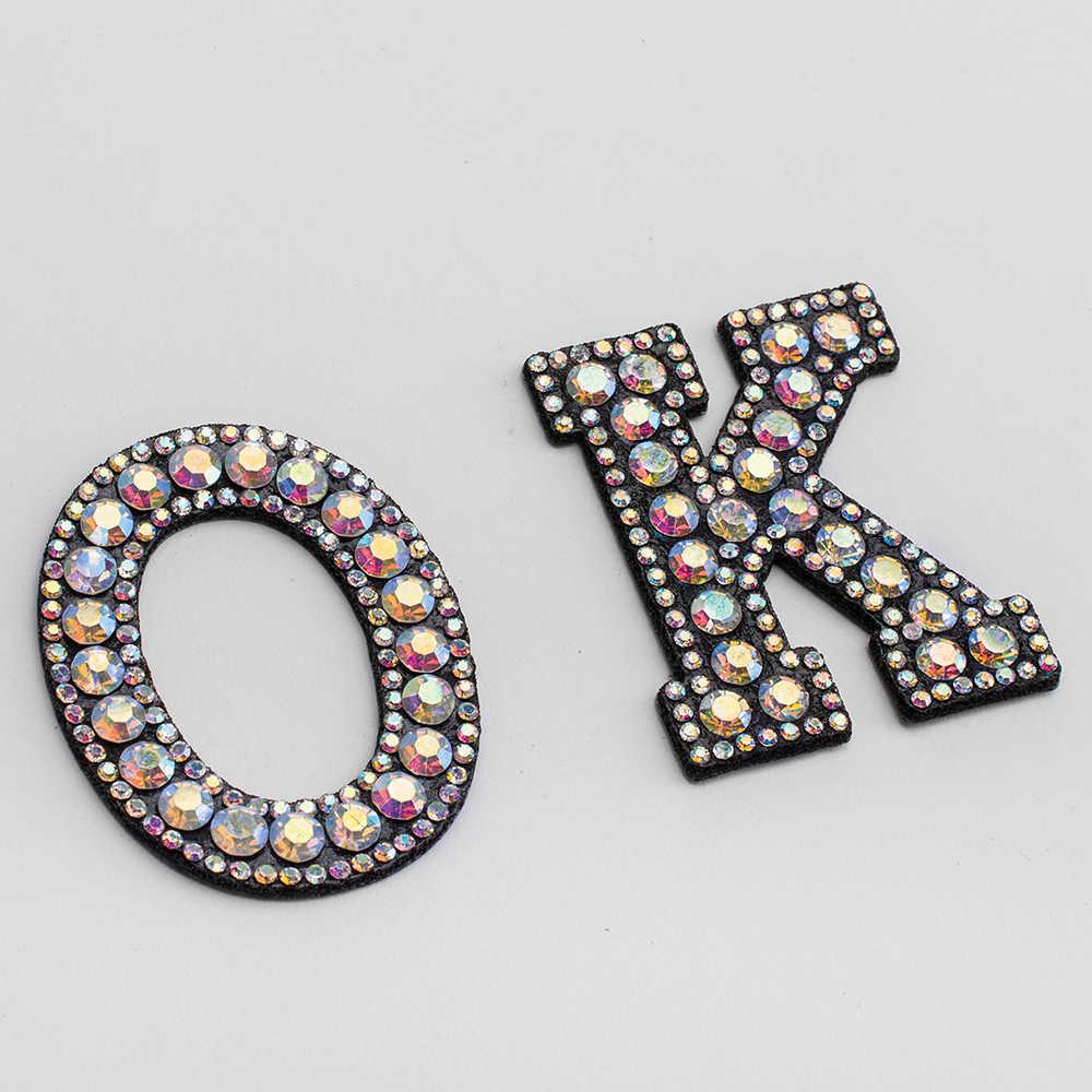 A-Z 1 adet Rhinestone İngilizce alfabe mektubu aplike 3D harfler üzerinde demir yama giyim rozeti için macun giysi çantası ayakkabı