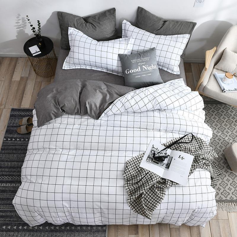 White Black Geometric Grid Bedding Set