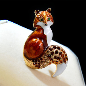 CINDY XIANG New Arrival Rhinestone Fox Brooches For Women Enamel Animal Pin Brooch 6 Colors Available Winter Design Coat Jewelry