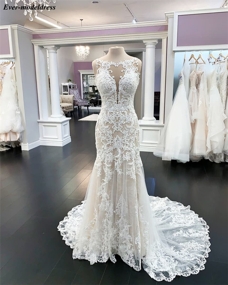 Mermaid Lace Wedding Dresses 2020 Appliques Sheer O-Neck Button Champagne Bride Dress Bridal Gowns Vestido De Noiva Real Photos