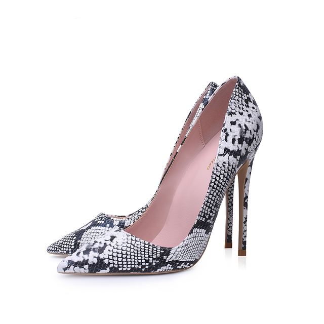 Pointed Toe Shallow Pumps 4