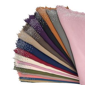 Image 3 - Новинка, популярный шифоновый платок мусульманский, хиджаб, длинный платок с бриллиантами и жемчугом, малайзийская шаль