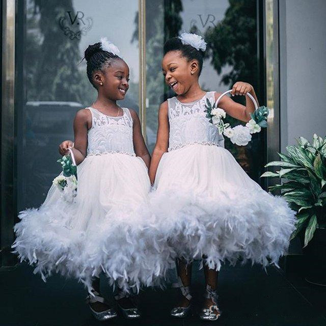 Adorable White Flower Girls Dresses Tiered Full Feather Party Toddler Pageant Baby Birthday Gowns Kids Communion Dress