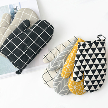 1PC Heat Resistant Microwave Oven Gloves Non-slip Insulated Gloves Non-woven Mitts Pot Bowl Holder Kitchen Cooking Baking Tools leshp 1pc microwave oven gloves high temperature resistance non slip oven mitts heat insulation kitchen cooking grilling gloves