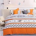 Комплект постельного белья  пододеяльник серого и оранжевого цвета с геометрическим рисунком  Комплект постельного белья  наволочка и подо...