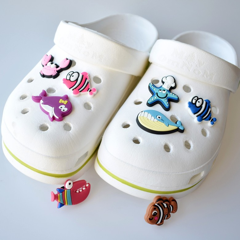 Hole Slippers Shoe Buckle Chars Crocs Designer  Accesoire Decoration Crab Starfish Whale Garden Shoe Decoration Fit Kid's Gift