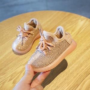 Image 2 - Nowe dziecięce trampki Rhinestone buty z włókna kokosowego jesień 0 2 lat chłopięce buty sportowe dziewczęce buty dla małego dziecka miękkie dno obuwie dziecięce