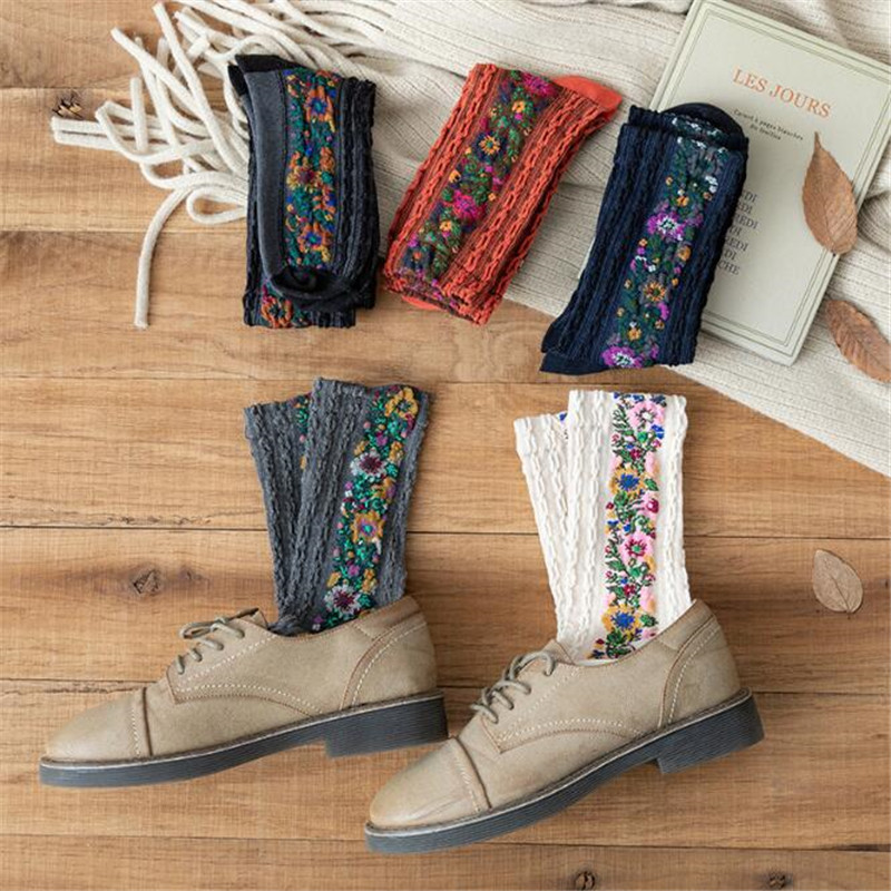 New Fashion Women Funny Socks Cotton Euramerican National Wind Autumn Winter Ladies Floral Socks Warm Cute Vintage Meias Sokken