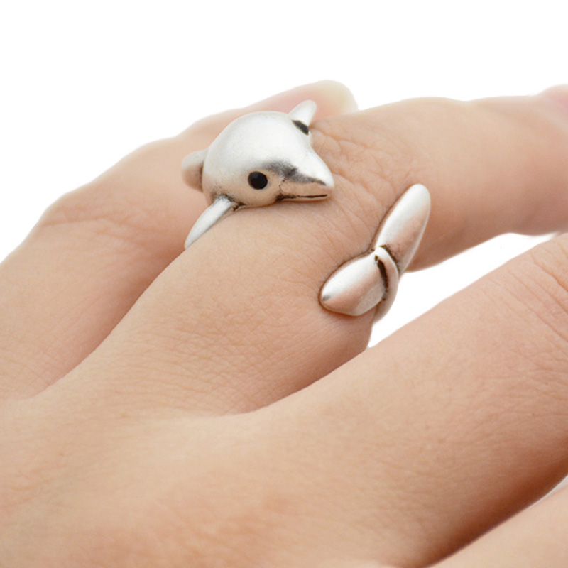 New Fashion Vintage Boho Brass Knuckle Cute Dolphin Ring Lovely Couple Wedding Whale Rings For Women Men Jewelry Everyday Gifts(China)