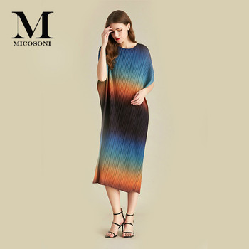Micosoni High Quality 2020 New Short-Sleeved Gradient Contrast Fashion Catwalk Draped Loose Dress Batwing Sleeve One Size Draped фото