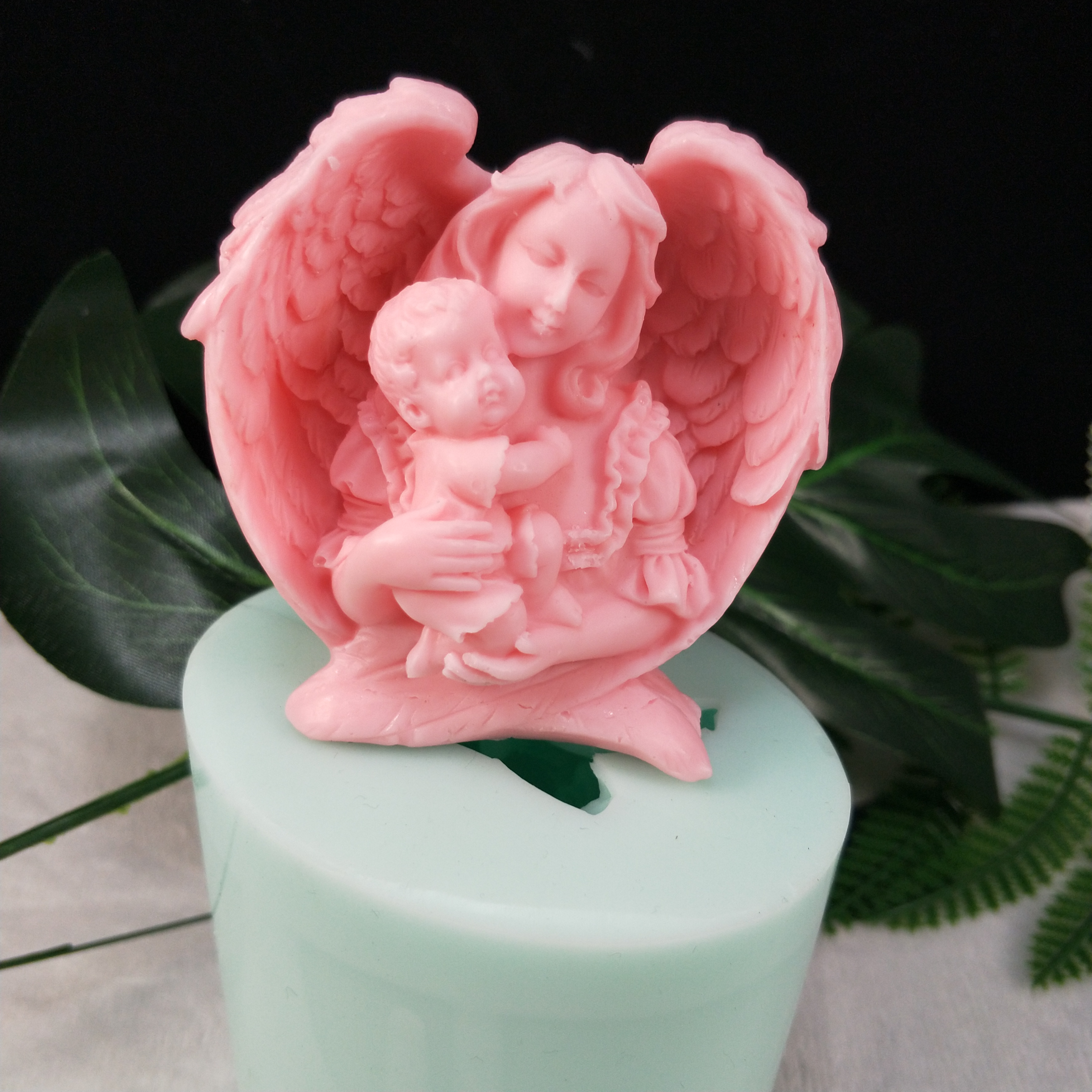 TS0118  Mother Holding Baby Love Mom Craft Silicone Soap Mold Craft DIY Molds Cake Baking Mold Mothers Day Gift