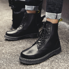 Autumn and winter 2019 new casual leather Martin boots men's high to help men's tooling snow England warm warm boots цена 2017