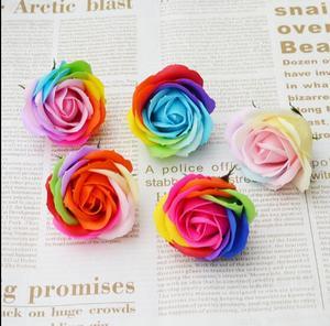 Image 5 - 25 sztuk/zestaw kolorowe mydełka w kształcie róży kwiaty ozdobne mydło w kształcie kwiatka płatek ślub dobrodziejstw prezent na walentynki Rainbow bukiet róż