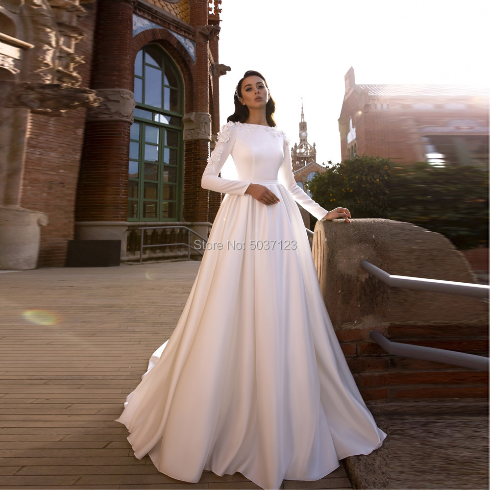 Muslim Long Sleeves Wedding Dresses O Neck Satin A Line Lace Appliques Floor Length Bridal Gowns For Married Vestidos