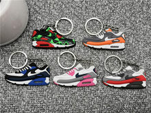 Bonito Mini Silicone Max 90 Sapatos Saco Keychain Charme Homens Mulher Kids Acessórios Titular Presentes Chave Anel Chave Da Sapatilha Ar corrente chave(China)