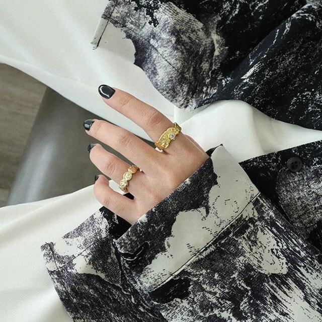 Фото женское кольцо с цирконием серебряное регулируемое ювелирное цена