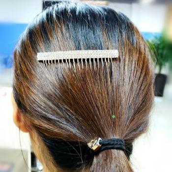 2020 nowe mody kobiet peruka perłowa grzebienie ślubne akcesoria do włosów spinka do włosów tiara z kryształkami klipy ślubne włosy ślubne biżuteria tanie i dobre opinie alloy rhinestone Włosów grzebienie Kobiety TRENDY 378106 ROUND