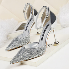 Liren 2019 Summer Fashion Sexy Lady Buckle Party Sandals Bling Silver Style Pointed Wrapped Toe High Hoof Heels Shoes