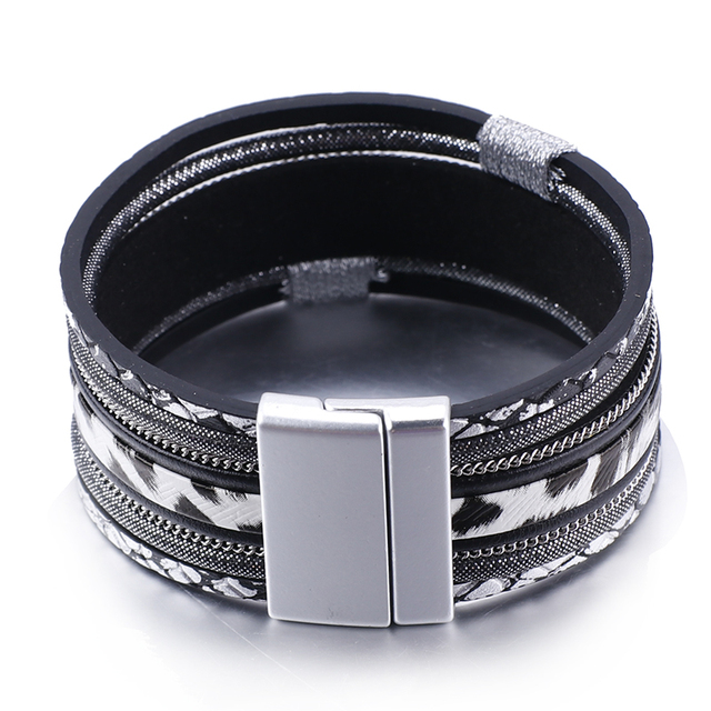 fron view black jewelry store item