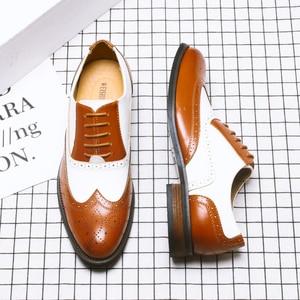 Image 3 - ผู้ชายหนังอย่างเป็นทางการรองเท้า Brogues สังคมรองเท้าชายออกแบบสีดำผู้ชายธุรกิจรองเท้า Pointed Toe รองเท้าแต่งงานผู้ชาย