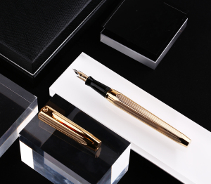 Image 2 - Hero 2191 14K Gold Collection Fountain Pen Golden Engraving Ripples Two head Medium Nib Gift Pen and Box for Business Office