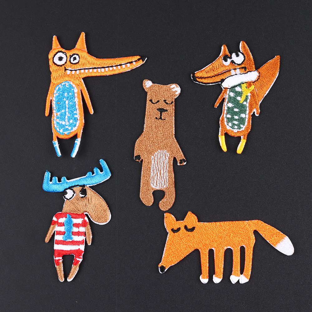 1pcs Fox Crocodile Goat Bear Embroidery Animal Patches Bag Jacket Jeans Cartoon Iron On Patches For Clothes Small Glue Sticker The Latest Fashion