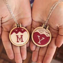 Hot Mini Wood Embroidery Frame Wooden Small Hand Stitching Circle Jewelry Cross Stitch Circle Frame DIY Gift Hoops Craft Tool P ellipse wooden frame hand cross stitching embroidery hoop jewelry diy crafts