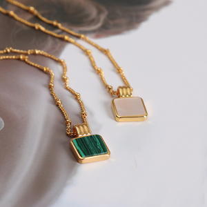 Vintage Green Square Malachite Stone Pendant Necklace For Women Lady Short Clavicle Necklace For Women High Quality Jewelry(China)