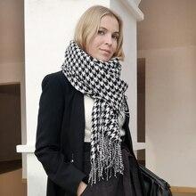 ผู้หญิงฤดูหนาวหนาแฟชั่นSoft Warm Lady CashmereสีขาวและสีดำยาวHoundstoothผ้าพันคอกับพู่