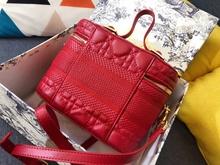 2021 AAA modna nowa damska torba klasyczna mała torba kwadratowa kosmetyki luksusowa torba-messenger na ramię z owczej skóry tanie tanio z klapą Torebki wieczorowe CN (pochodzenie) prawdziwe futro zipper SOFT NONE Normcore Minimalistyczne CASHMERE Versatile