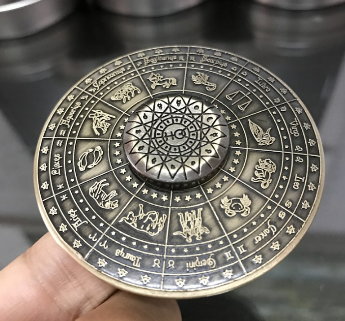Egyptian Twelve Constellation UFO Hand Spinner Round Vintage Fidget Spinner Relieve Stress Anxiety Autism Adults Children Gifts