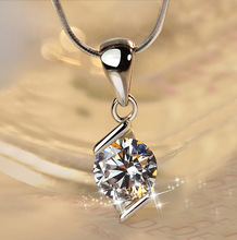Fashion Charm Necklace Lady trend Rhombus Inlaid Zircon Pendant for Women Simple Style Jewelry Gift