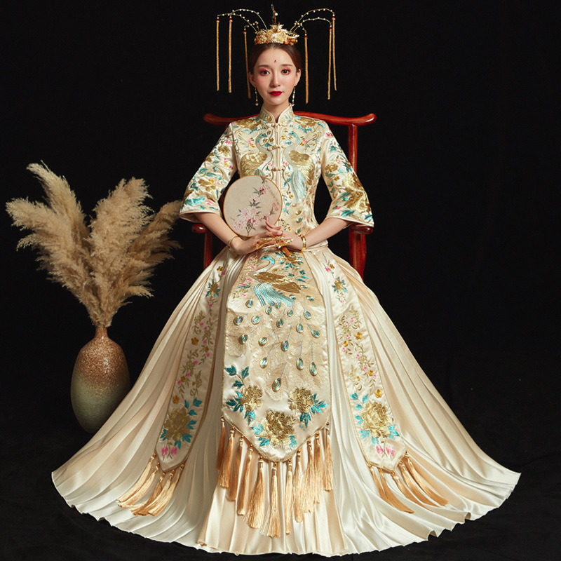 Beige Oversize 6XL Bride Dress Wedding Dress Retro Dress Chinese Cheongsam Dress High Quality Embroidery Peacock Long Section