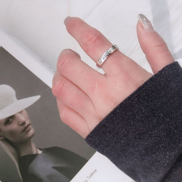 Фото женское кольцо на указательный палец серебро 925 пробы