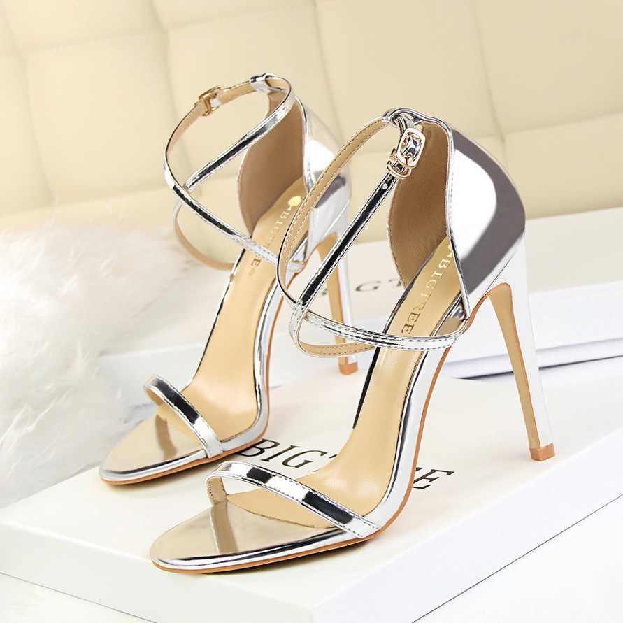 New Women Sandals Patent Leather Women High Heels Shoes Gold Sexy Women Pumps Fashion Wedding Shoes Women stiletto 698
