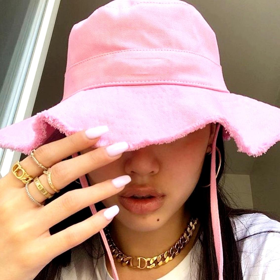 Woman Summer  Bucket Hat