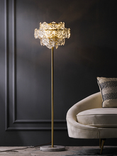 Nordic Luxury LED โคมไฟชั้นทองแดงคริสตัลห้องนั่งเล่นบ้านยืนโคมไฟห้องนอนวิลล่า Marble แนวตั้งไฟ
