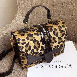 Image 1 - Vintage Leopard Crossbodyกระเป๋าสำหรับสตรี2020 Chain Messengerกระเป๋าหญิงสลิงLuxuryกระเป๋าและกระเป๋าถือ