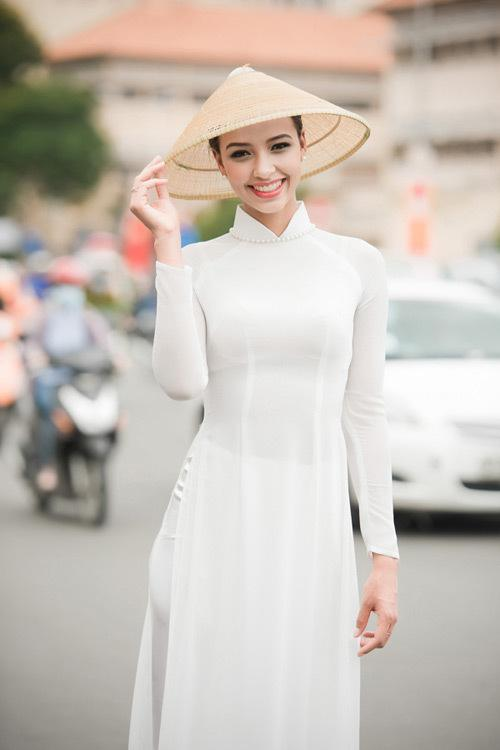 2020 White Woman Aodai Vietnam Traditional Clothing Vietnam Robes And Pants Vietnam Costumes Improved Cheongsam Ethnic Style