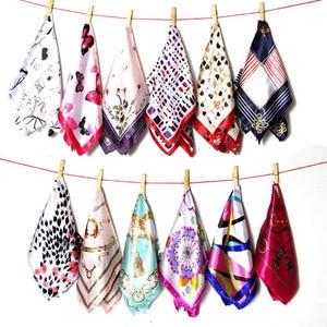 New 50*50 Elegant Spring Printed Silk Scarf Women Ladies Scarves Multifunction Hair Tie Headwear Luxury Design Retro Neckercief