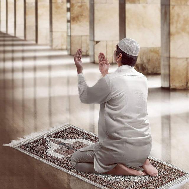1 Pcs הרמדאן קוראן אסלאמי מוסלמי תפילת שטיח שטיח מחצלת פוליאסטר Namaz סאלאט ציצית מפת שולחן כיסוי יוגה מחצלת 70x110cm