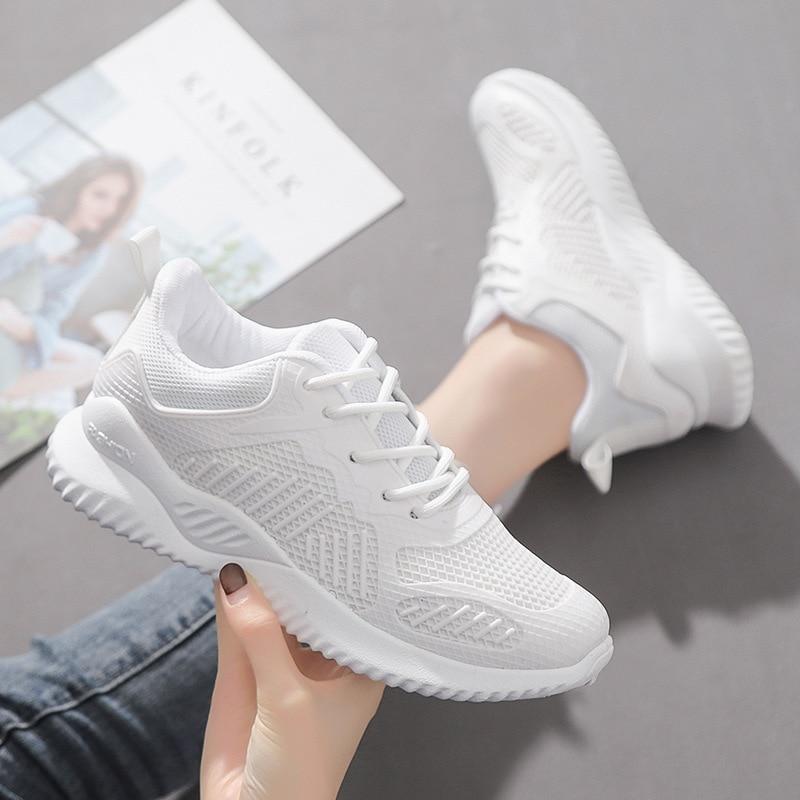 White Black Fashion Women Sport Shoes Super Running Breathable Walking Mesh Flat Shoes Professional Tennis Sport Shoe