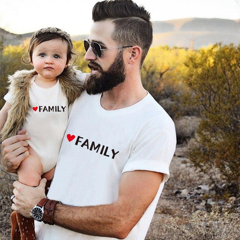 Parent enfant tenue été papa et moi vêtements bébé coton à manches courtes barboteuse combinaison papa T-shirt famille correspondant vêtements